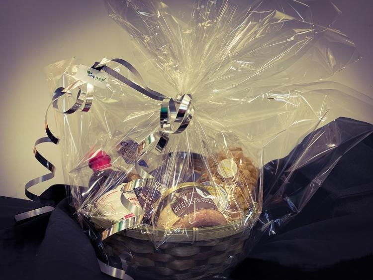 Emballage + panier pour cadeau de 5 à 6 produits