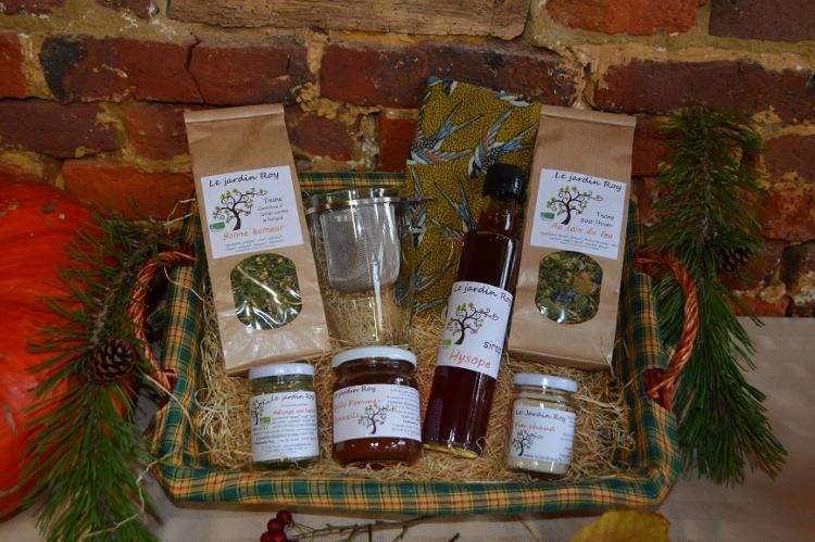 Coffret de Noël panier 2 tisanes-tasse et son filtre-vin chaud-confiture-mélange aux herbes-beewrap