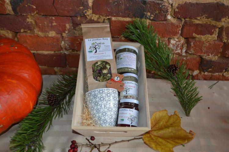 Coffret de Noël tisane-tasse-vin chaud-confitures-mélange aux herbes