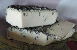 Bleu de Scailton (Pâte persillée, affiné dans la Morépire, ardoisière à Bertrix)