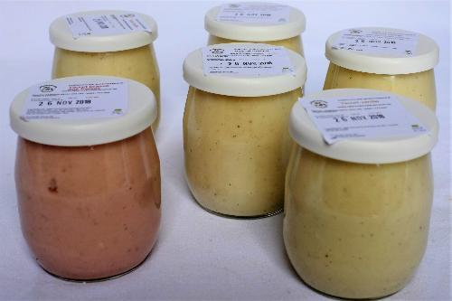Yaourt brassé aux fraises (lait de vache) pot en verre de 125 ml
