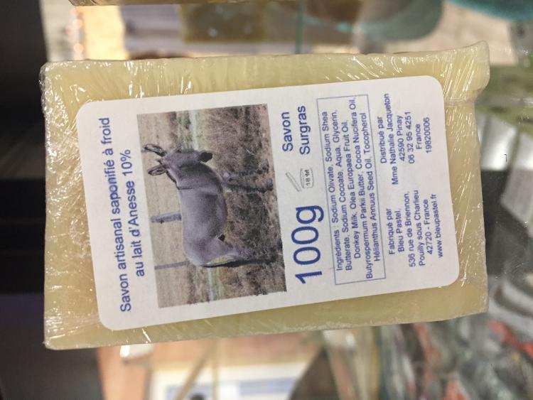 Savon saponifié à froid 10% lait d'anesse
