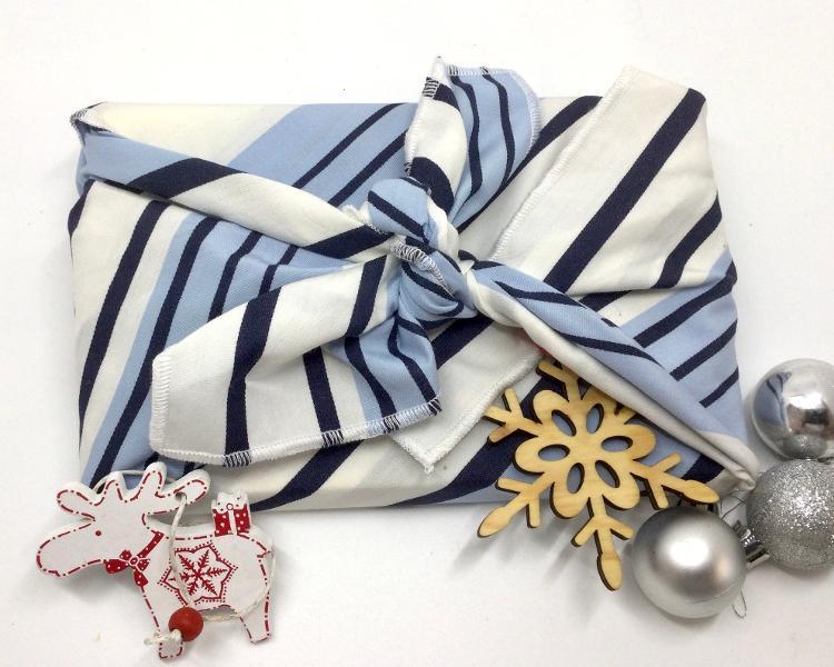Furoshiki rayé bleu ciel  (papier cadeau réutilisable) 70*70 cm
