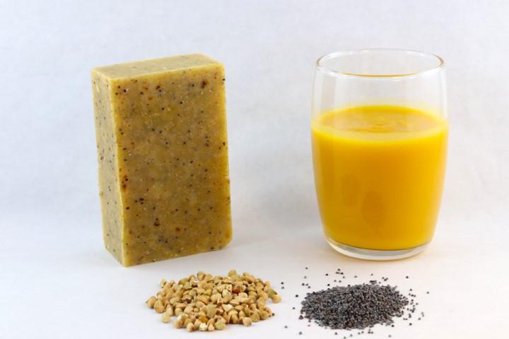 Savon exfoliant LE SAISON //jus de légume - sarrasin -huile cameline (sans bague d'emballage)