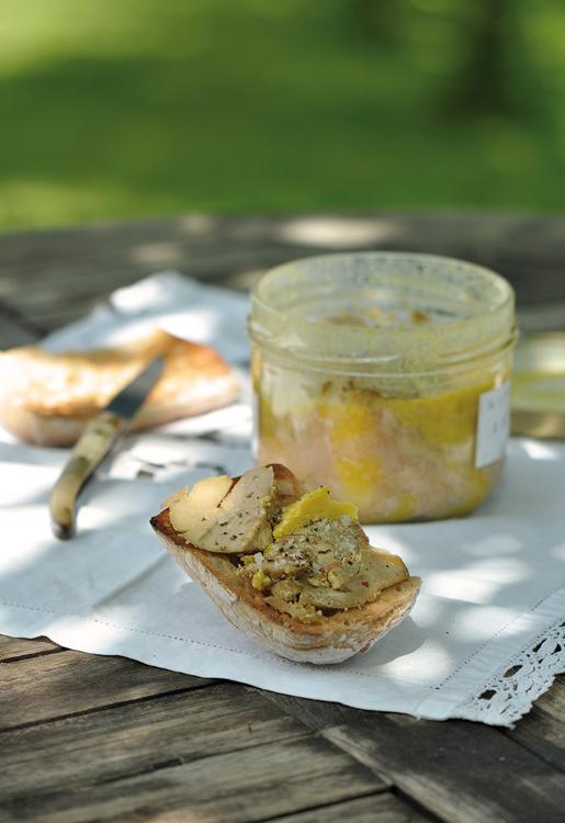 Foie gras mi-cuit conserves
