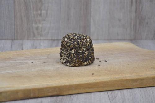Crottin frais au poivre noir