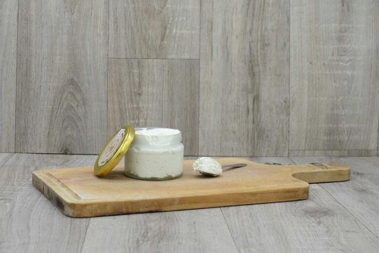 Fromage frais à tartiner figues et noix toastées