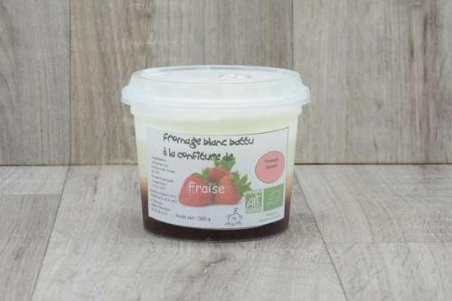 Fromage blanc battu à la confiture de fraise
