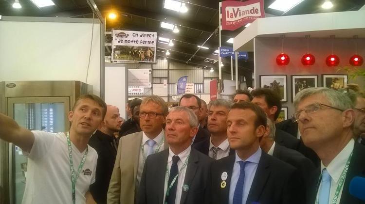 Emmanuel Macron sur notre stand au Space !