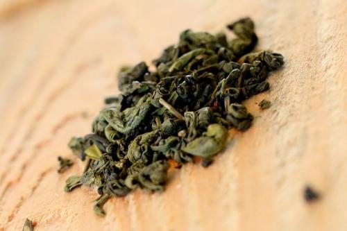 Thé Vert Gunpowder 100g (de Chine, feuilles enroulées, digestif et désaltérant)