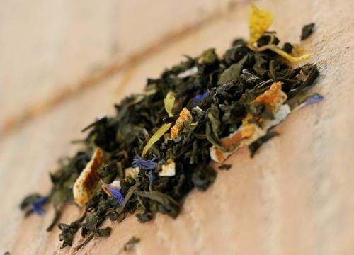 Thé Vert Petrouchka (citron, citron vert, bergamote, pamplemousse, fleurs de bleuets et soucis) 100g