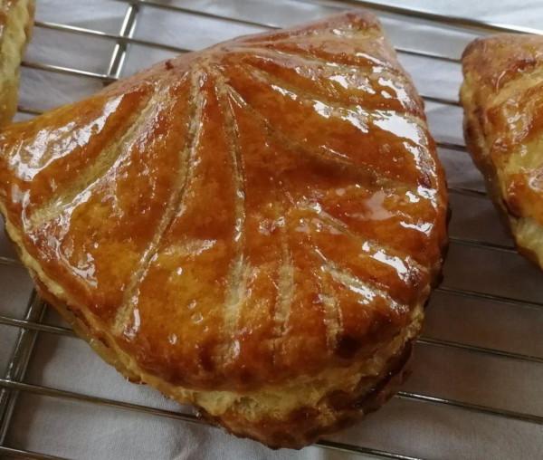 Chausson aux pommes au caramel au beurre salé
