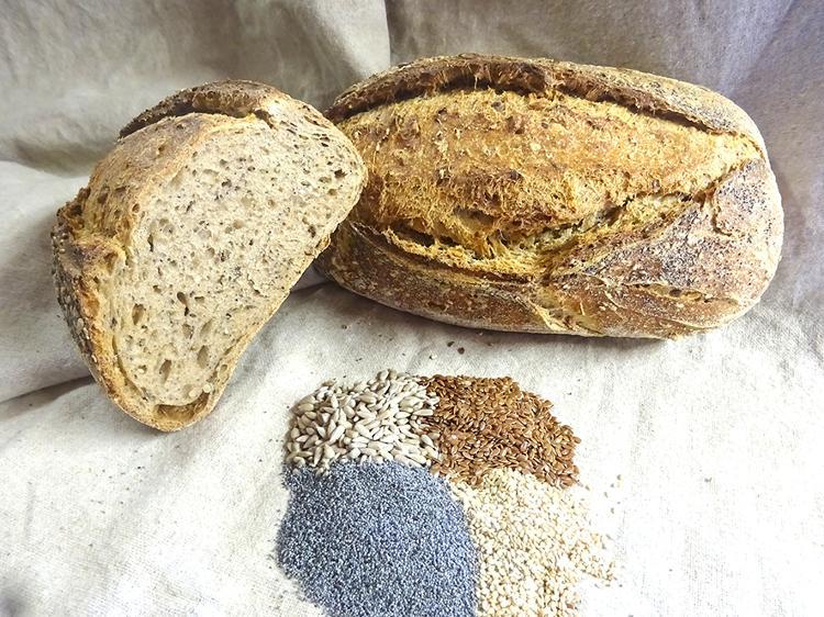 Pain semi-complet aux 4 graines (1 kg)