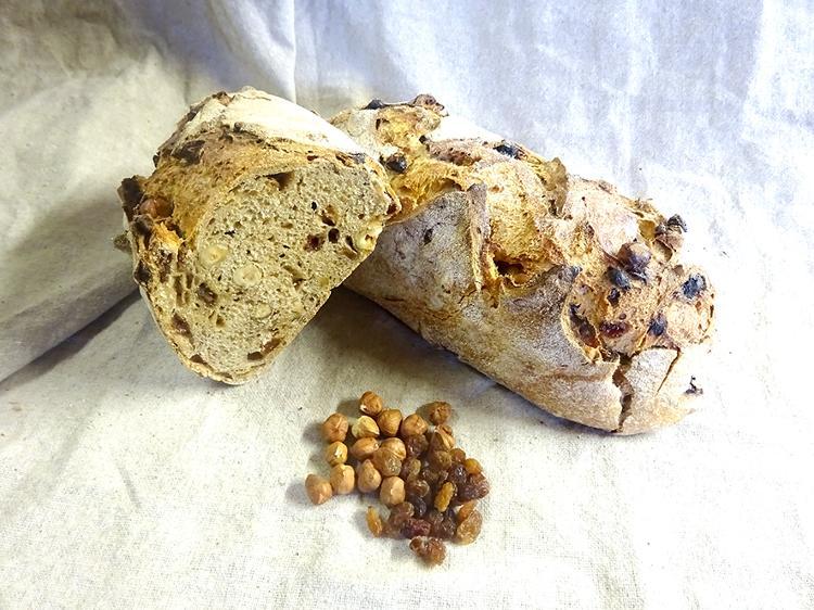 Pain semi-complet raisins-noisettes (1 kg)