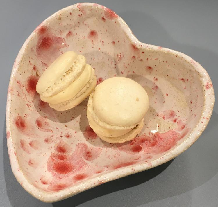 2 Macarons glacés à la vanille
