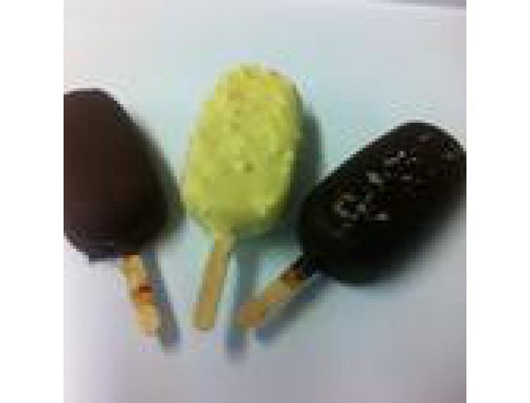 2 Esquimaux Framboise enrobés de chocolat blanc