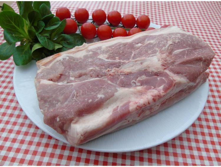 Rouelle de porc épaule- 1.3kg - la ferme des blanches terres
